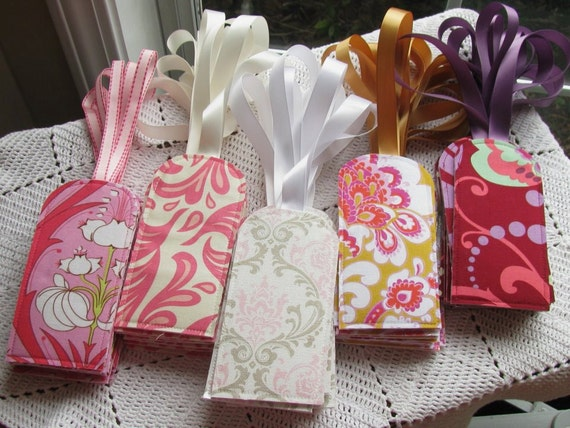 25 Custom Luggage Tags - Favors - Place Cards - Save the Date - Announcement - Wedding