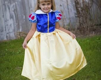 Classic Snow White Dress  size 2-6