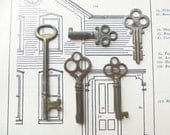 Nice collection of vintage keys