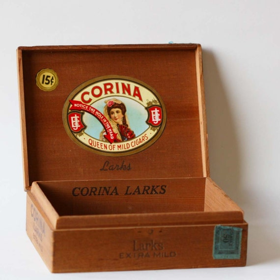 Corina Larks Extra Mild Wooden Cigar Box C 1935