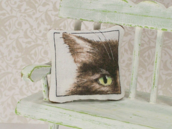 Miniature Pillow Black Chocolate Persian Pussy Cat Kitty Dollhouse One Inch Scale White