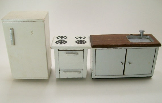 Vintage Dollhouse Miniature Furniture Kitchen Set Refrigerator Frig Stove Sink White Taiwan Wooden