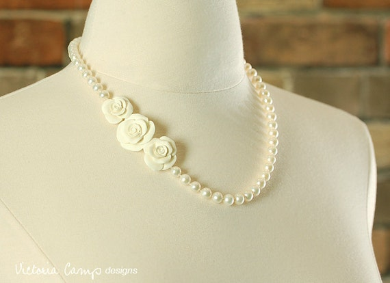 Real Pearl Wedding Necklace with Hand Formed Ivory Roses, Bridal Jewelry - Rose Cluster, Freshwater Pearls - Ivory Flowers