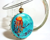 Jellyfish bottle cap necklace - ''Danger in disguise''