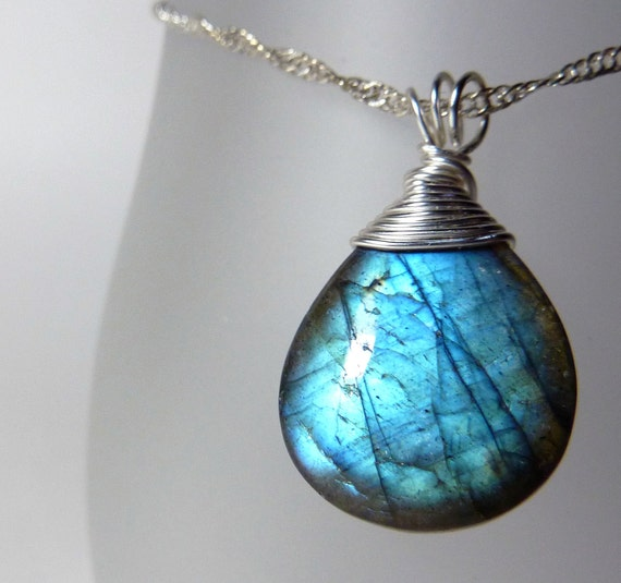 Labradorite necklace - teardrop stone pendant - ''Hard candy''