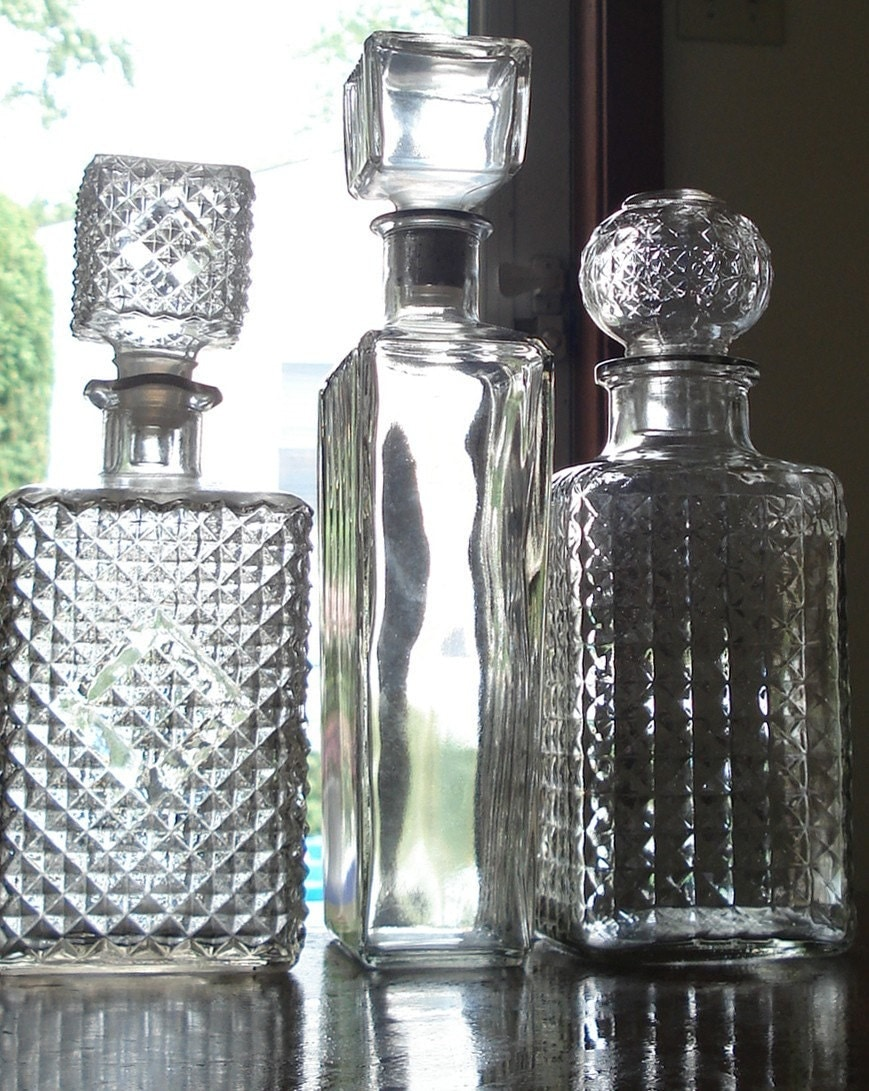 The Straight And Narrow Beautiful Vintage Decanter Set