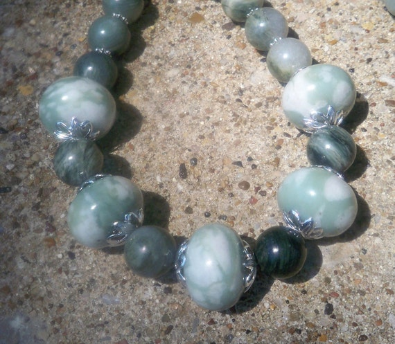 Agates in Green Necklace