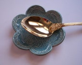 Antique Blue Daisy Spoon Rest