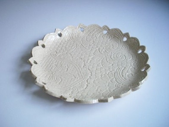 8 inch Creme Brocade with Heart Cut-Outs Cookie Plate