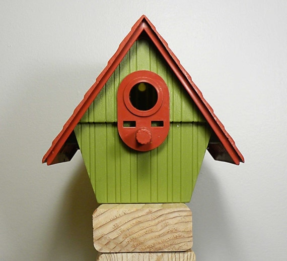 SALE birdhouse for your soul . . . by rubbermaid . . . bird feeder