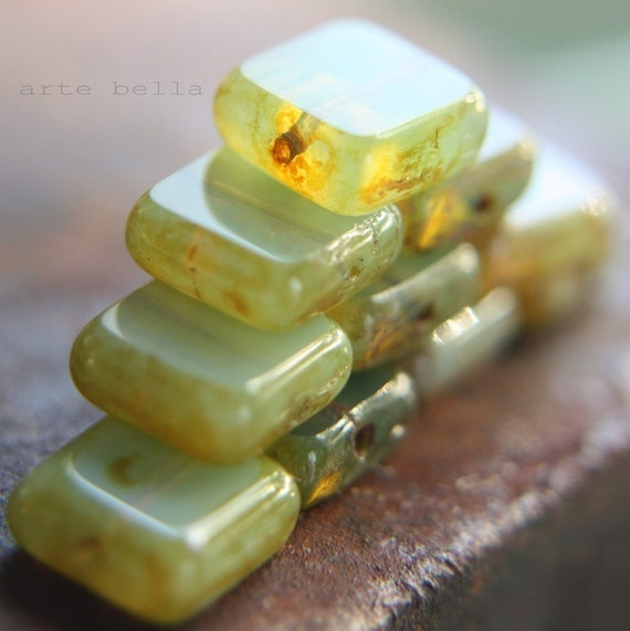 last ones .. HONEYDEW SQUARES .. 8 Czech Picasso Square Window Beads 10mm (772-8)