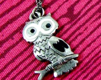 Hoot Owl Necklace in Gunmetal