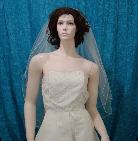 Classic Style Bridal Veil 2 Tier Fingertip length