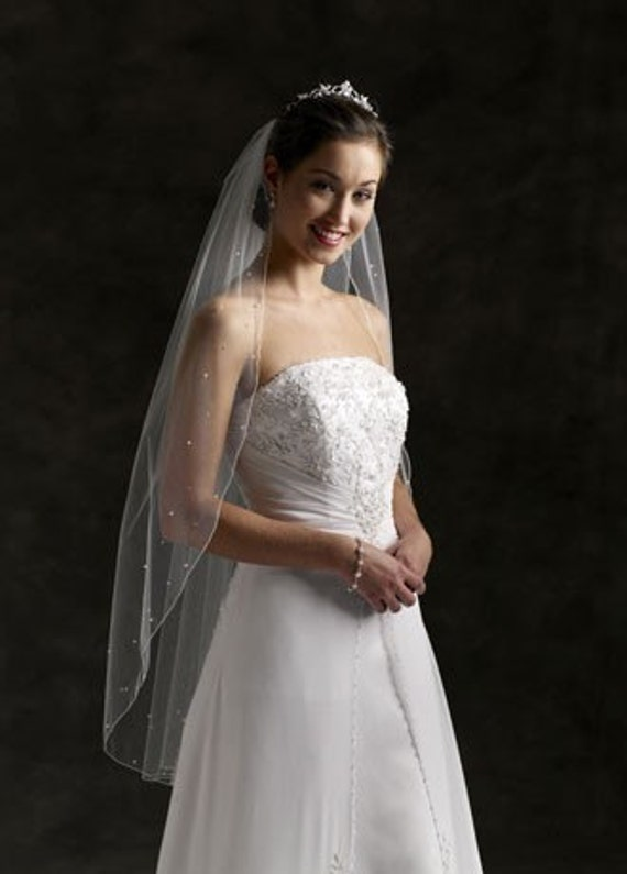 Beautitul flowing Cascade Cut IVORY wedding Bridal Veil Fingertip length accented with Scattered Swarovski Rhinestones Very Sparkly