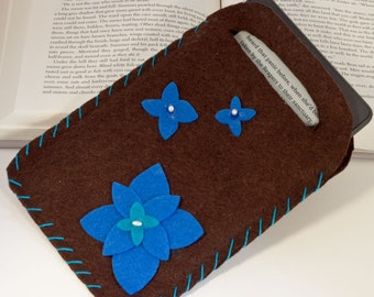 E reader cover, tote/carrier, brown and blue