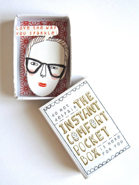 The Instant Comfort Pocket Box - Girl with bun