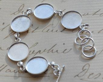 Linked Deep Welled Circle Bracelet Sterling Silver Plated
