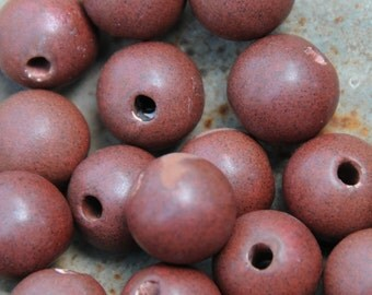 5 Round Pottery Beads in Fireluster