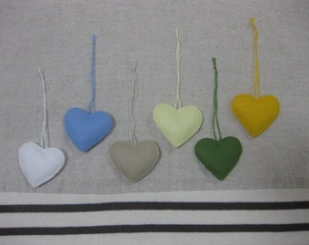 Felt heart ornament (natural mix)