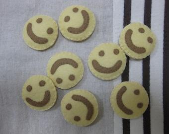 Felt smile shaped potato fries