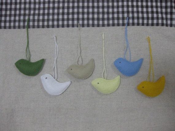 Felt bird ornament (natural mix)