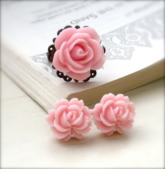 Blushing Pink Rose Cabochon Ring and Earring Set