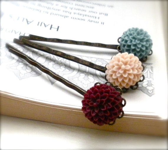 Garden Time Set of Three Resin Cabochon Flower Bobby Pins