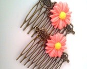 Pink Daisy Hair Combs - Flowers Floral Sweet Soft  Victorian Lolita