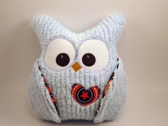 blue chenille plush owl pillow with star fabric