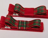 Red, Gold and Green Christmas Non Slip Clips