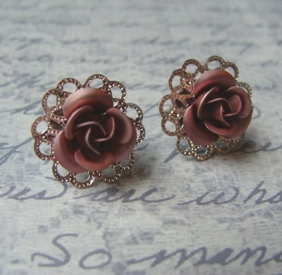 Pink Rose Filigree Post Earrings - Mauve Lace Metal Flower Stud Posts Silver Vintage Style Small Pink Aluminum Button Victorian