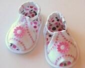 Peek-a-boo - Pink Daisy Sandals