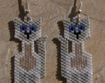 Siamese Cat Earrings Hand Made Seed Beaded