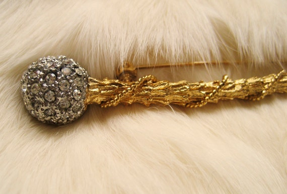 Free Shipping, Gold Scepter Rhinestones Pin Brooch Vintage Like New