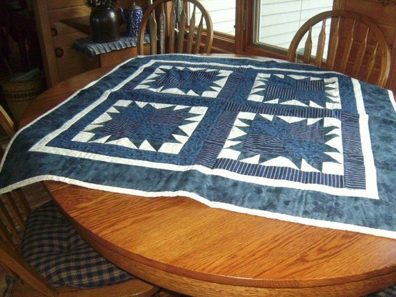 Bear Claw design in Blue's and Cream's Quilt.