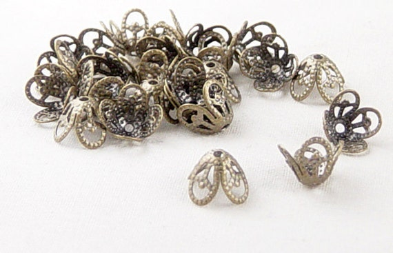 Bronze Bead Cap 24 Antique Bronze 4 Point Flower Filigree Victorian 8mm x 6mm (1048cap08z1)