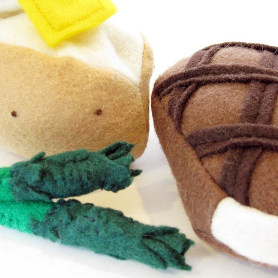 Fun Felt Food Grilled Steak, Baked Potato and Asparagus Dinner Set