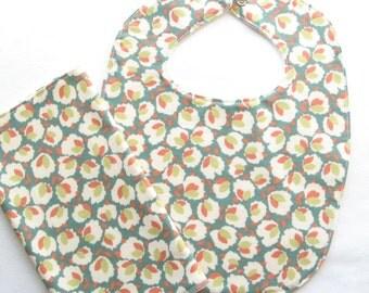 Baby bib / Bib and wipes set / Toddler Bib / Infant bib / Child bib / Shower gift / Eco-friendly baby gift