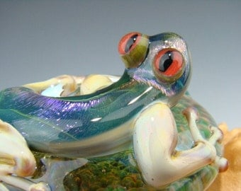 Dichroic Glass LIZARD Gecko Paperweight Figurine Blue Purple and Beige with (made to order)