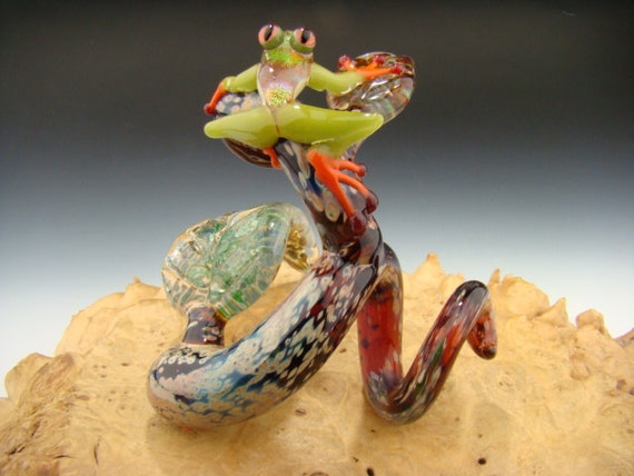 Dichroic Frog on a Tree Branch Sculpture Paperweight Lampwork Boro (Made to Order)