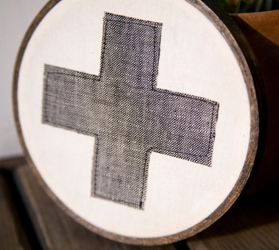 "Classic Red Cross Wall Hanging in Hoop - Gray 4"" hoop"