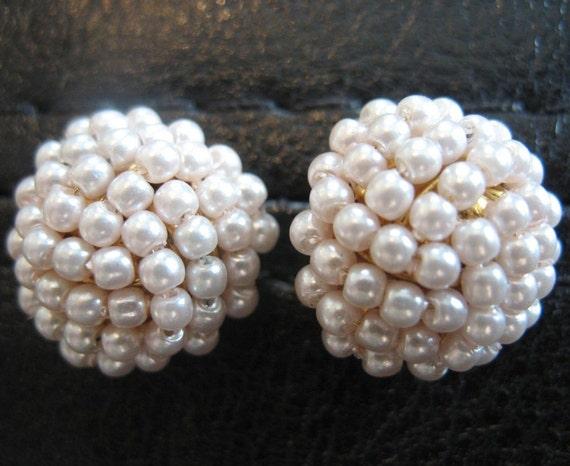 Avon Faux Seed Pearl Vintage Earrings goldtone