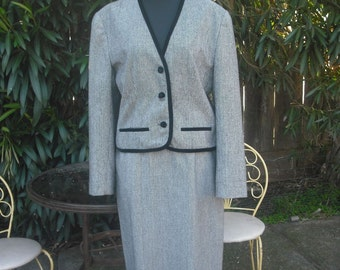 Vintage 1980s Evan Picone , Black and White Tweed Business Suit, Academia, Career, Business Suit, Ladies Business Suit, Size 10