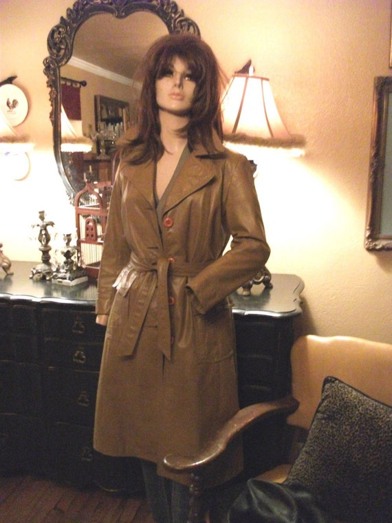 1970's Classic Fitted Leather Trench Coat