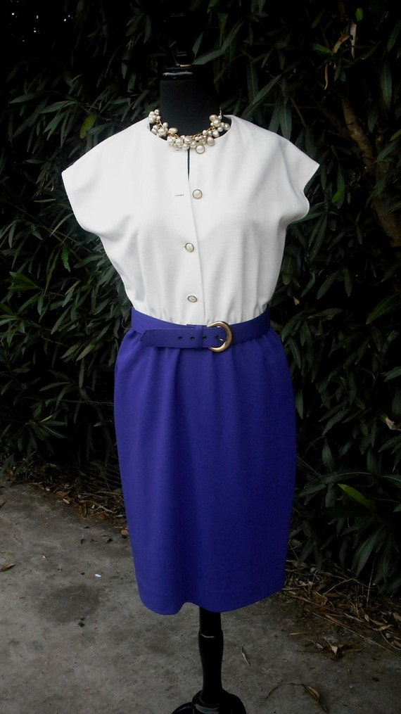 1970s LESLIE FAYCareer Day Dress / Secretary Dress / Polyester Purple and White Dress  Petites  Size 6