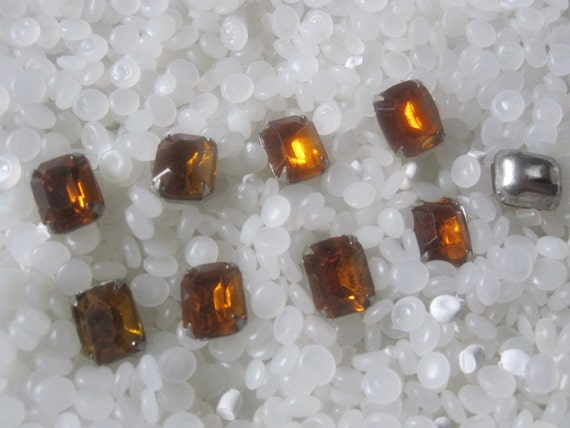 Vintage RHINESTONE Buttons, set of 9 Topaz shank type buttons