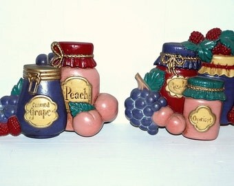 Vintage 70's pair of country kitchen kitsch plastic jam jelly canning jars wall plaques