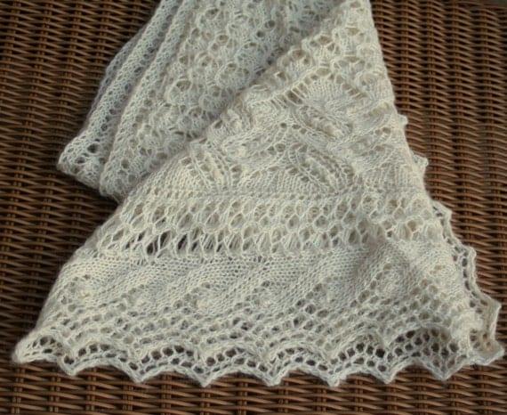 Shawl, off white wool handknit