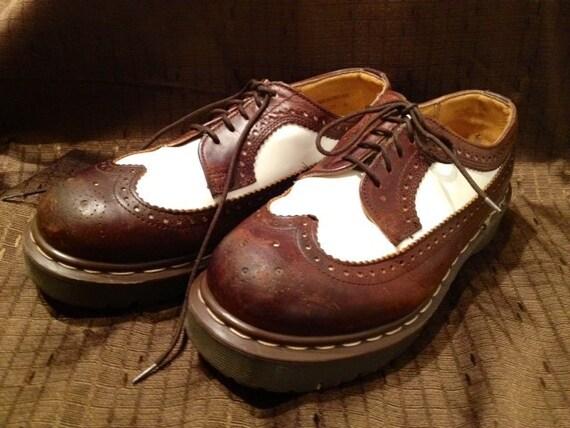Vintage Doc Martens / Dr. Martens Oxfords 3989/34 Brown and White Leather Wingtips Size 6UK