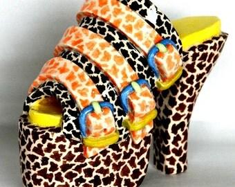 Giraffe-pattern Miniature Ceramic Shoe